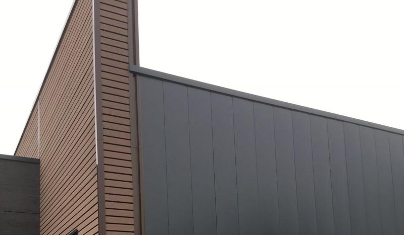 Réalisation d'un bardage bicolor (marron 2 tons)