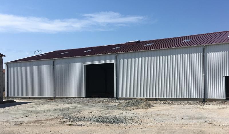 Hangar centre technique bac acier